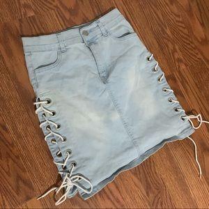 Denim tie up the side skirt size medium